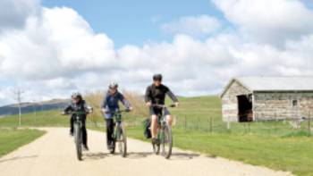 Cycling open fields on the Otago Rail Trail | Toni Wythes